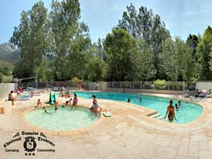 Camping france for Camping haute provence avec piscine