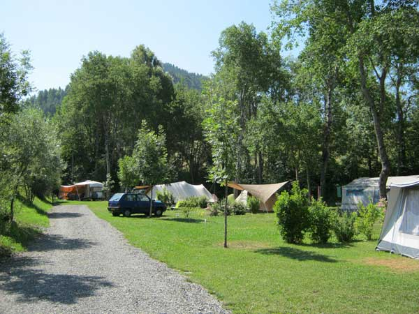 Camping france camping alpes de haute provence for Camping haute provence avec piscine