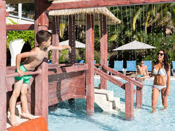 Holiday Green Resort & Camping