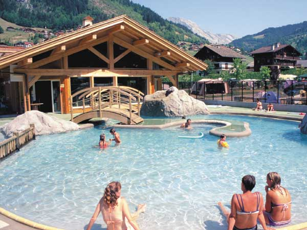 Camping l 39 escale for Camping savoie piscine