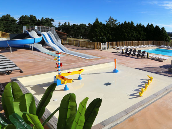 Camping france camping loz re for Camping lozere piscine