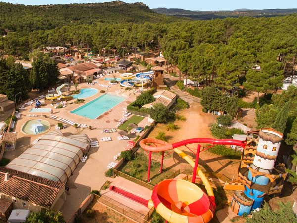 Camping avec piscine vaucluse for Camping vaucluse piscine