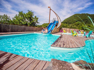 Camping avec piscine france camping avec piscine cantal for Cantal camping avec piscine